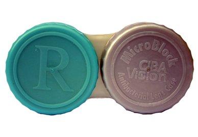 Antibakteriálne puzdro na sklerální šošovky